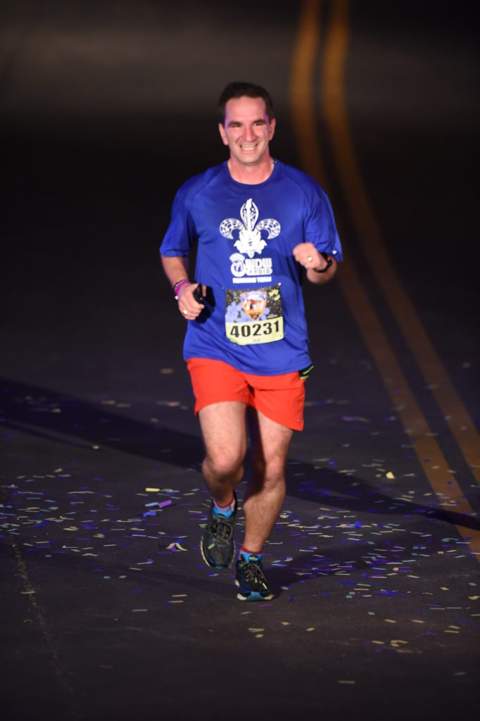 RUNDISNEY_DLRMARAFINISHLINE4_20160506_383971838088