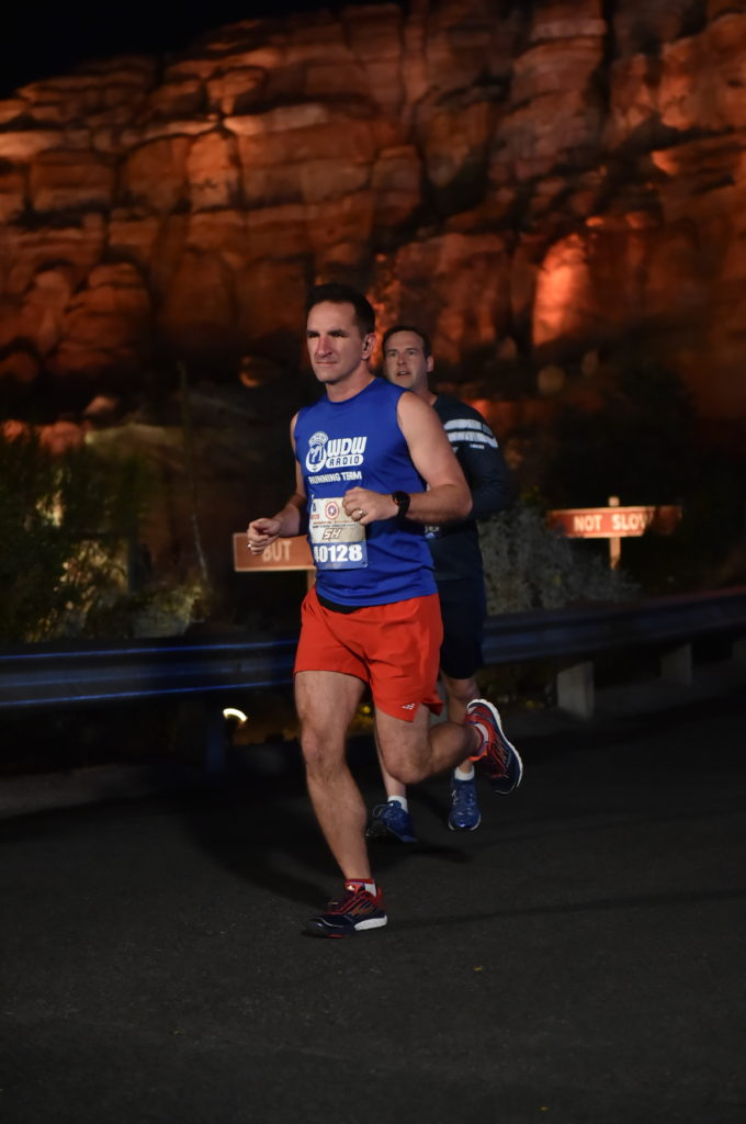 rundisney_dlrmaraaction5_20161111_7857842199